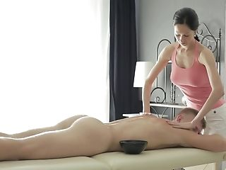 Sweetie Emma Gives A Nice Dick Rubdown To Her Customer And Rails Him