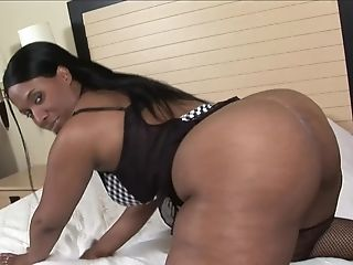 Tracey Mathis Gets Her Black Cunt Pounded By Her Killer Friend