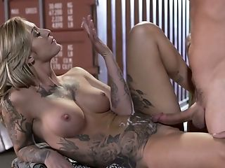 Hot And Sexy Milky Blonde Lady Slurps Dick And Fucks In The Dark