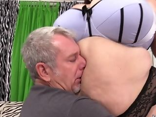 Old Perverted Adores Matures Bbw Lady Lynn Before Stuffing Her Round Cooter