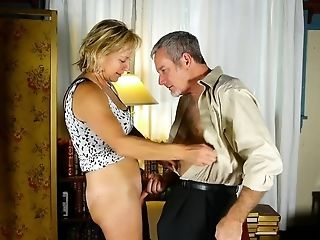 Tasty Old Spunker In Hip High Pervy Boots Is A Hot Fuck