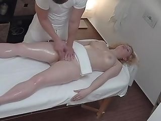 Blonde Fucking In A Rubdown Salon