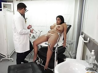 Buxom Latina Seduced By Her Medic Into Fucking And Eating Jizm